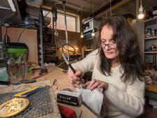 Valerie over haar glaskunst: 'Ik kreeg te horen dat mijn kunst alternatief was'