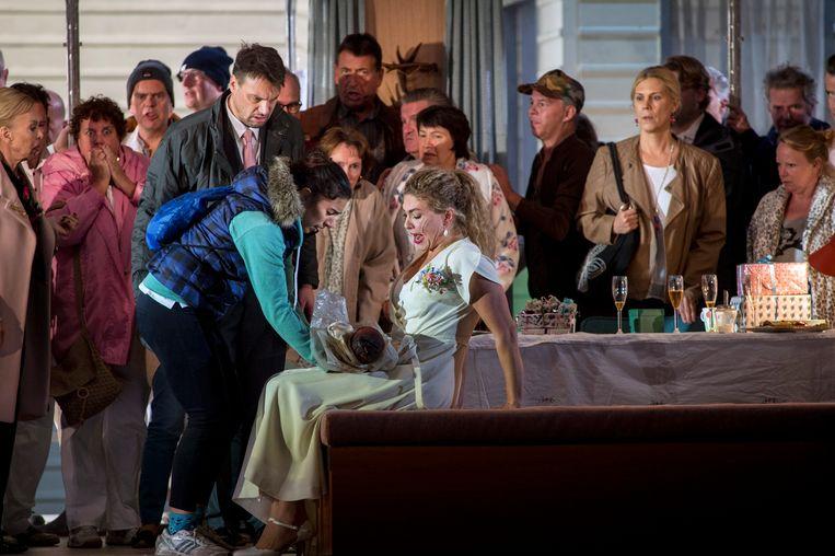 Hanna Schwarz (Stařenka Buryjovka), Pavel Cernoch (Laca Klemeň), Annette Dasch (Jenůfa), Chorus of Dutch National Opera Beeld Ruth Walz