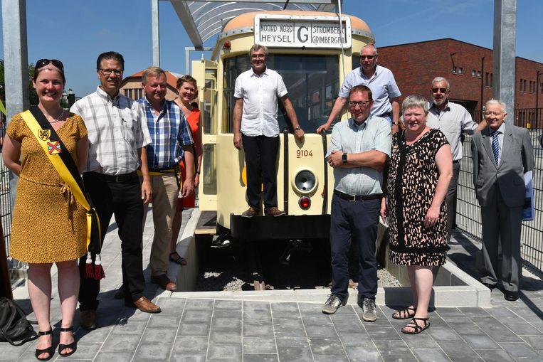 De tram van 84 jaar oud ziet er weer als nieuw uit na de restauratie.@
