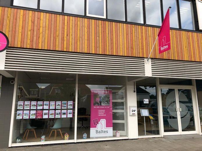 Het nieuwe kantoor van Baltes Makelaars aan de Dorpsstraat 24A in Holten.