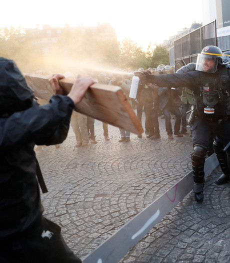 Arrestaties en gewonden door rellen na Franse verkiezingen