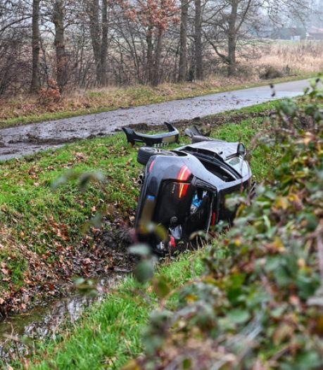 Drama op A16: Rotterdamse vader (59) overlijdt na ongeval, gezin was op weg naar vliegveld