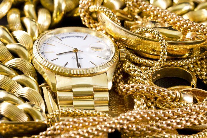 sieraden - juwelen - horloge - goud