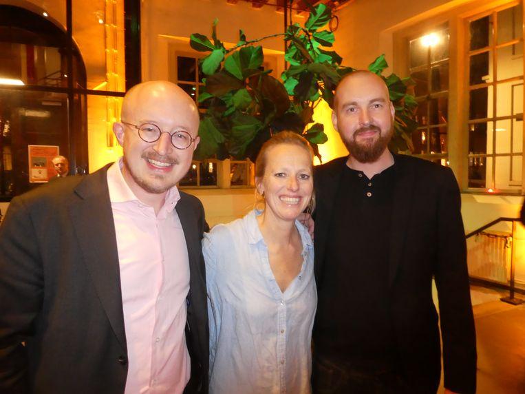 """Peter Vermeulen, Sabine van Es en Robert Nijhout van organisator Cannabis Capital Convention. """"Het is een los-vaste afspraak. Als hij zin heeft om te jammen, komt hij jammen."""" Beeld Hans van der Beek"""