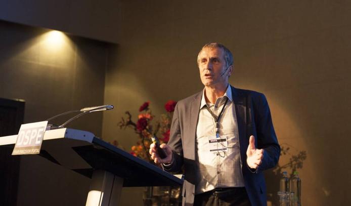 Jan van Eijk, grondlegger van de mechatronica.