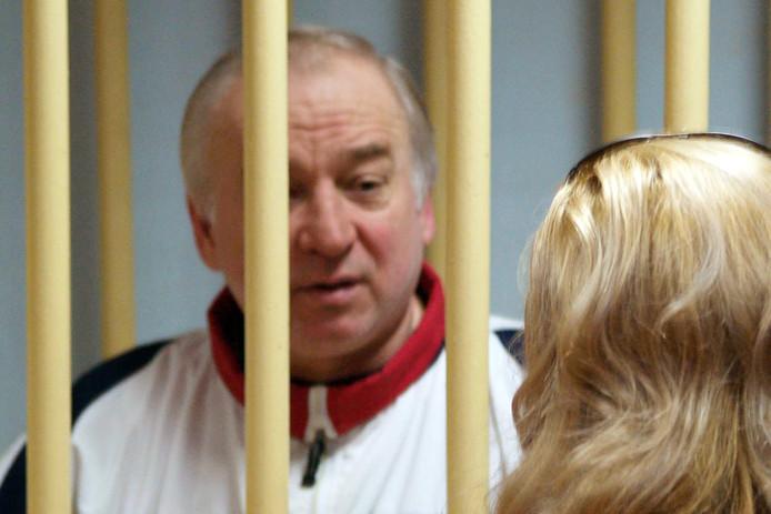 De vergiftigde oud-dubbelspion Sergej Skripal verbetert zienderogen.