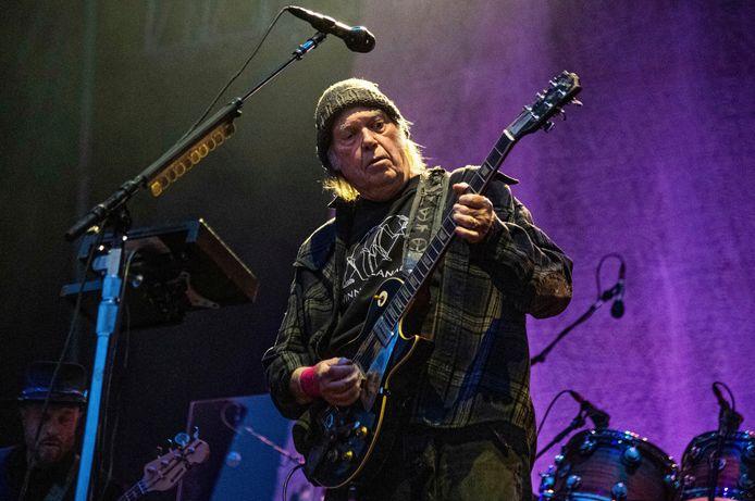 Neil Young a vendu 50% des droits de son catalogue au fonds d'investissement Hipgnosis.