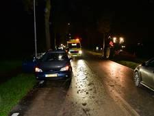 Nekklachten na ongeval op spekgladde modderweg bij Duiven