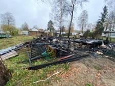 Toeval of niet? Op camping 't Haasje in Fortmond brandt het zoveelste chalet uit