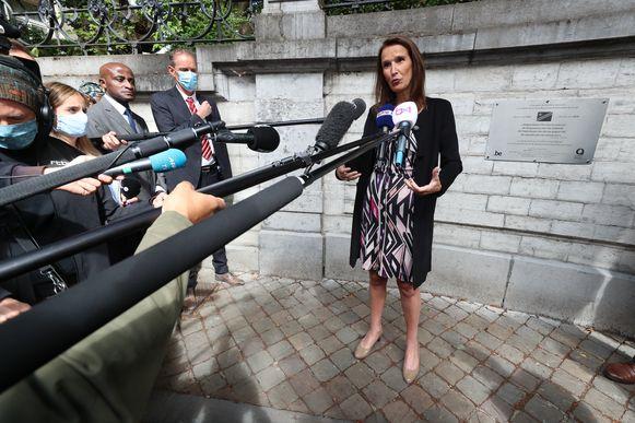 Premier Sophie Wilmès (MR) woonde in Elsene een ceremonie bij naar aanleiding van de 60ste verjaardag van de Congolese onafhankelijkheid. Voor het gemeentehuis van de Brusselse gemeente werd een gedenkplaat onthuld.