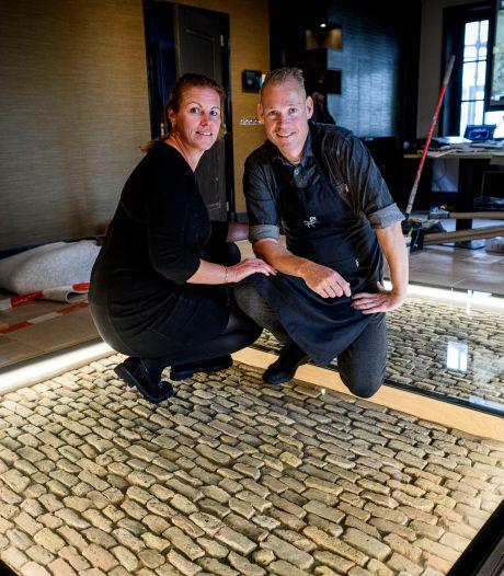 Drie vloeren in Het Witte Paard te Delden, dat is een historische verrassing