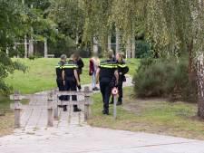 Man bedreigt jongeren met een mes in een speeltuin in Baarn: politie verricht aanhouding