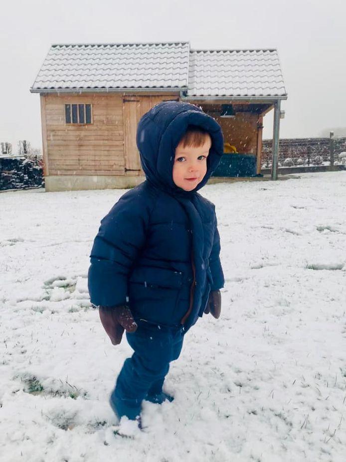 De eerste keer in de sneeuw.