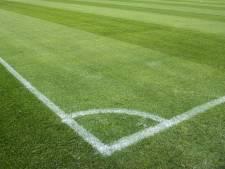 Goudswaardse Boys trots op grasmat na bezoek aan Feyenoord