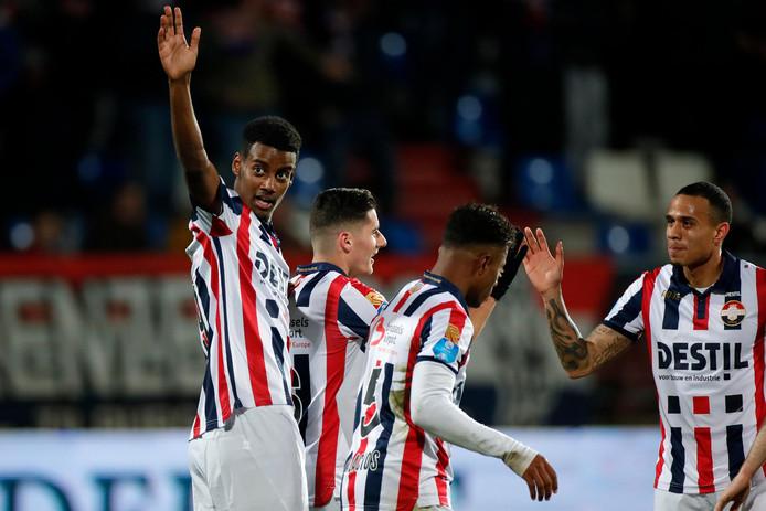 Met de 19-jarigen Alexander Isak (links) en Diego Palacios (tweede van rechts) in het veld won Willem II vorige week van De Graafschap.