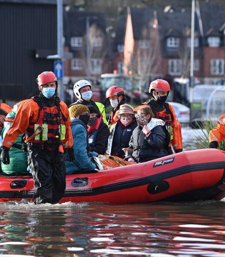 Graves inondations en Angleterre et au Pays de Galles