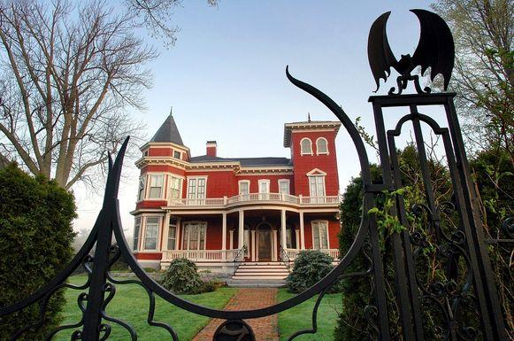 Het Victoriaanse landhuis van schrijvers Stephen en Tabitha King in Bangor, Maine.