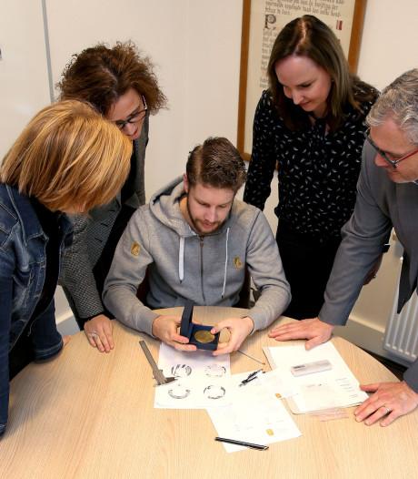 Speld en jeugdlintje voor bijzondere prestaties in Neder-Betuwe