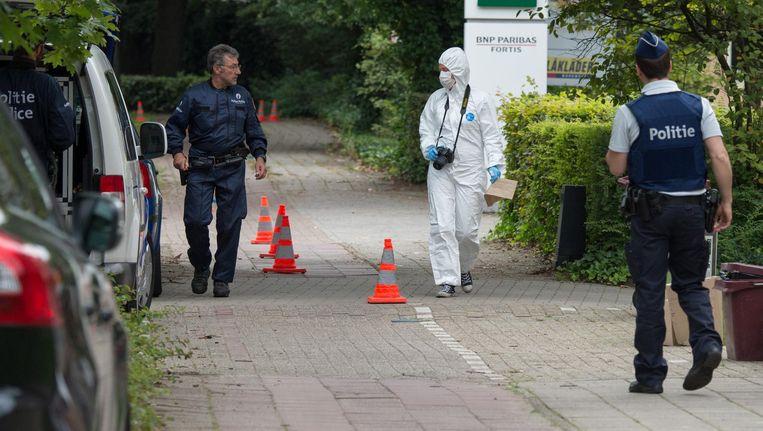 De politie en het labo kamden de buurt van de schietpartij in Schoten uit.