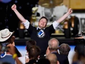 """Elon Musk: """"C'est la première étape vers une vie multiplanétaire"""""""