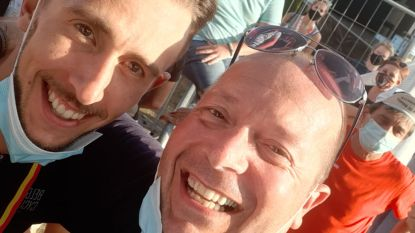 """Café Bij Plekker opent met plezier op sluitingsdag: """"Dat Dries wint, moeten we vieren!"""" Vanavond feesten de supporters in hun stamcafé"""
