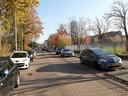 De Sportweg nu, een straat met auto's. Maar straks...