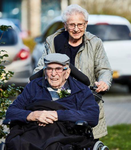 Zo krijgen Wim en Leny toch nog een feestje nu ze 70 jaar getrouwd zijn: 'Dit is alsnog een grandioze dag'
