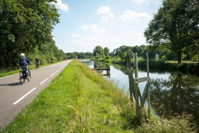 Het Apeldoorns Kanaal wordt toch niet bevaarbaar en daarom gaat de Stichting Apeldoorns Kanaal op in de Stichting Beleef het Kanaal.