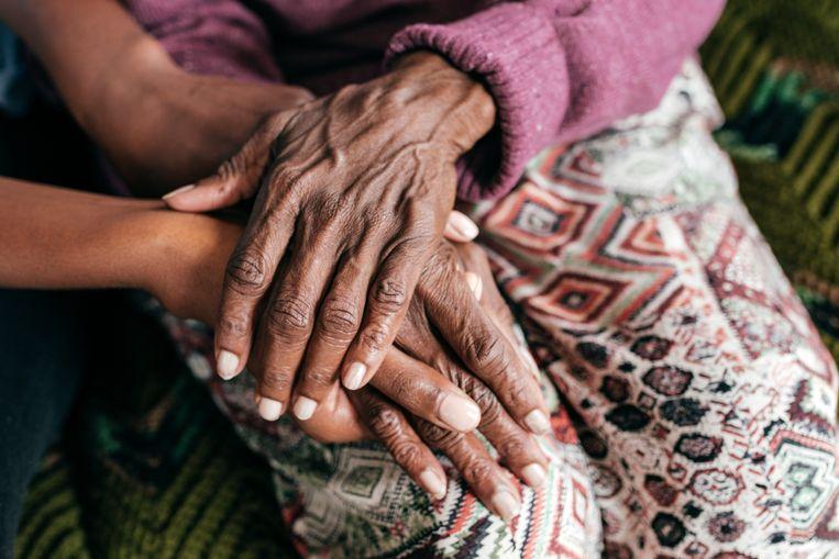 Euthanasie is volgens de Hoge Raad bij vergevorderde dementie toegelaten, maar de praktijk is nog weerbarstig.  Beeld Getty Images