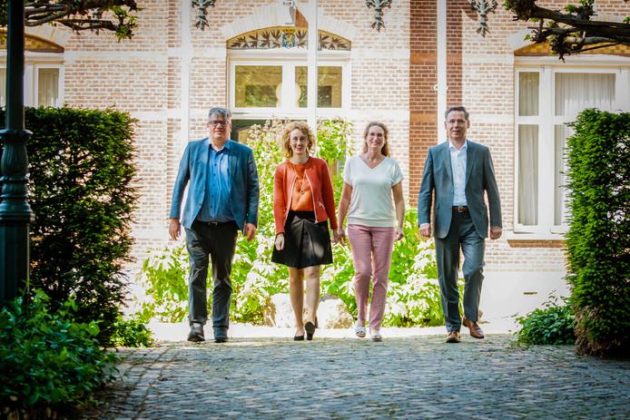 Het nieuwe college van Oirschot, vlnr: Jan Heijman, Judith Keijzers-Verschelling, Esther Langens en Piet Machielsen.