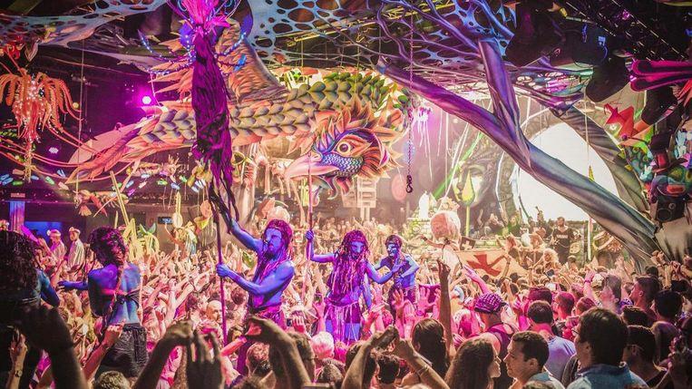 Elrow is bekend van hun spectaculaire, carnaval-achtige feesten vol acts, decorstukken, kostuums en confetti. Beeld Elrow