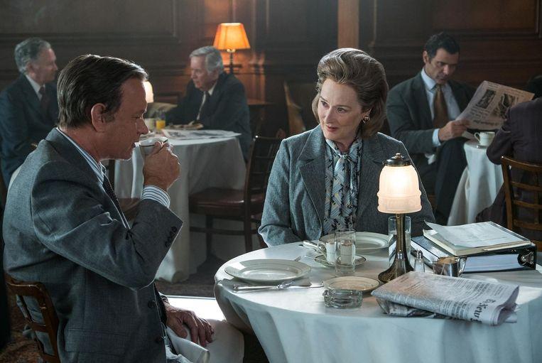 Tom Hanks als Ben Bradlee en Meryl Streep als Kay Graham in The Post. Beeld