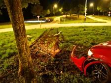 Bestuurder dwars over rotonde N397 bij Riethoven, te voet op de vlucht en slapend teruggevonden op fietspad