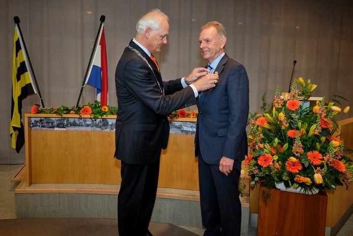 Herbert Nikkels (rechts) kreeg in 2019 nog een koninklijke onderscheiding, ook vanwege zijn werk voor de wijk- en bewonersvereniging Spaland.