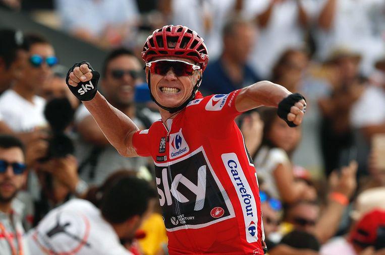 Chris Froome komt over de finish als winnaar van de 9e Vuelta-etappe tussen Orihuela en El Poble Nou de Benitatxell. Beeld EPA