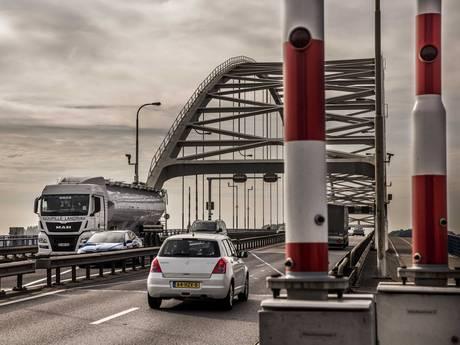 Rijkswaterstaat vergeet automobilisten en truckers op tijd te informeren over afsluiting A27