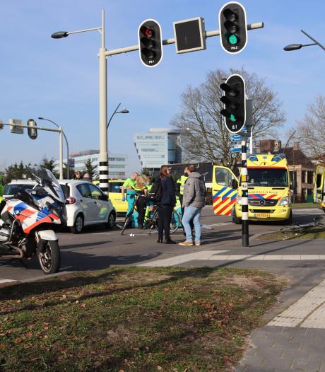 Fietser gewond bij aanrijding op Pannekoekendijk Zwolle
