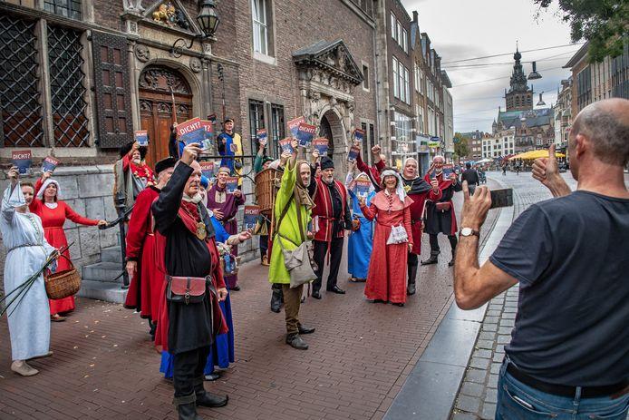 Stichting Maelwael Van Lymborch pleit bij het stadhuis voor gemeentelijke steun.