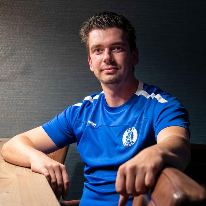 Christiaan Blom stopt met voetballen vanwege blessures.