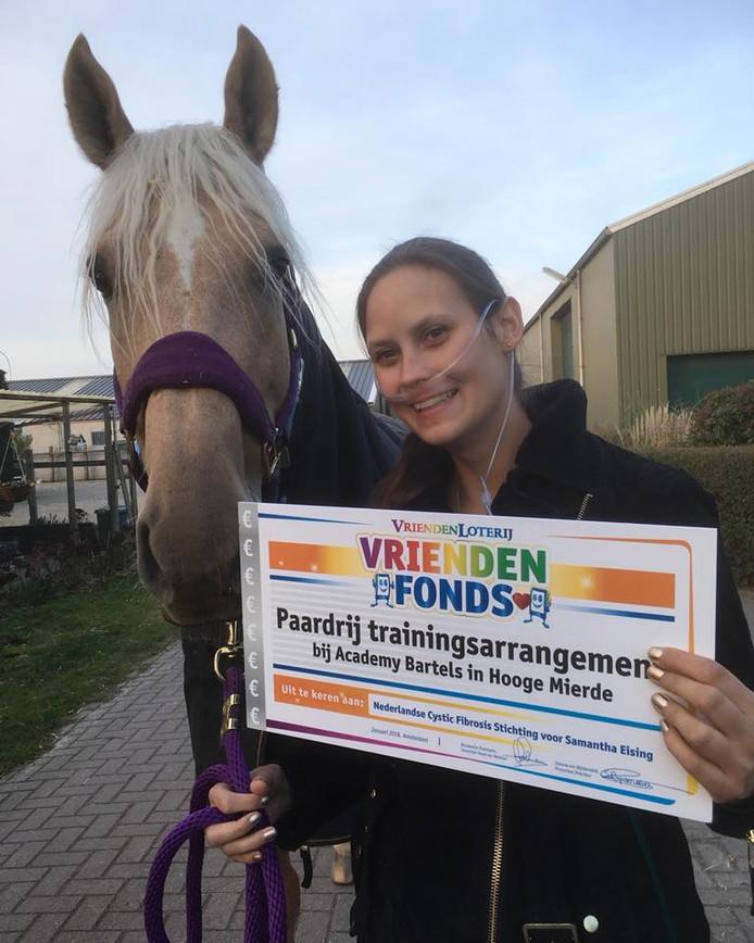 Samantha Eising uit Vlissingen  met haar paard Wizz.