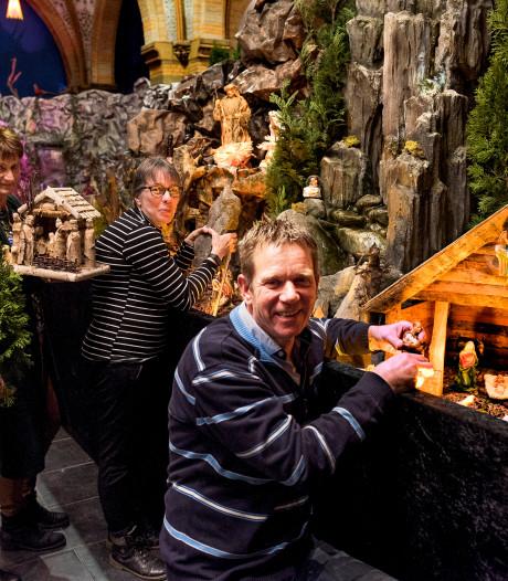 Expositie van honderden kerststalletjes in Sint Franciscuskerk