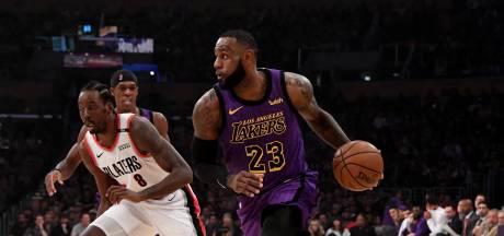 James schittert voor LA Lakers en passeert Chamberlain