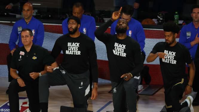 """LeBron James emotioneel na beladen dag voor LA Lakers: """"We zijn doodsbang"""""""