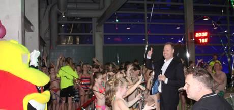 Nieuwe glijbaan zwembad De Vallei geopend