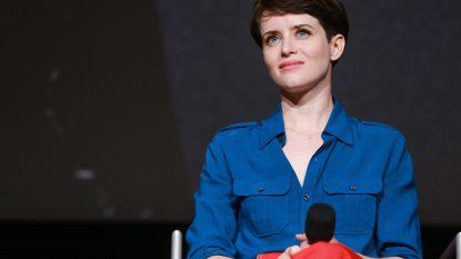 Claire Foy alsnog extra vergoed voor 'The Crown' nadat ze lager salaris kreeg dan tegenspeler