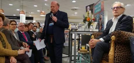 Bomvolle boekhandel beleeft ode aan jarige Jan Siebelink