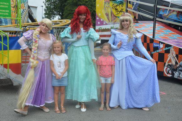 Kinderen konden op de foto gaan met Rapunzel, Ariel en Doornroosje.