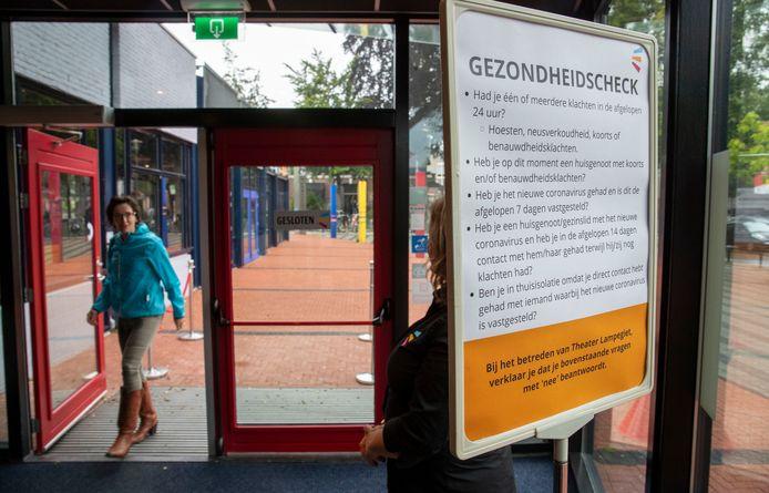 Theater Lampegiet in Veenendaal ging afgelopen zaterdag voor het eerst weer open.