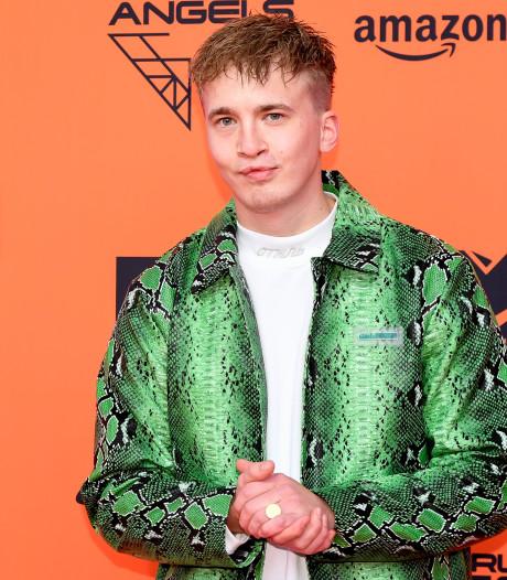 Rapper Snelle opent Aemstie Teenagers een kwartiertje eerder om publiek niet teleur te stellen