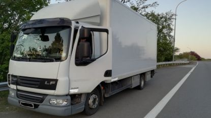 Trucker die betrapt wordt met gsm achter stuur krijgt boete van 5.000 euro voor resem overtredingen